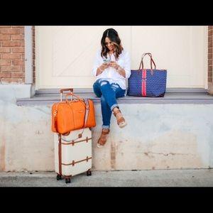Henri Bendel Overnight/Weekend Duffle bag NAVY